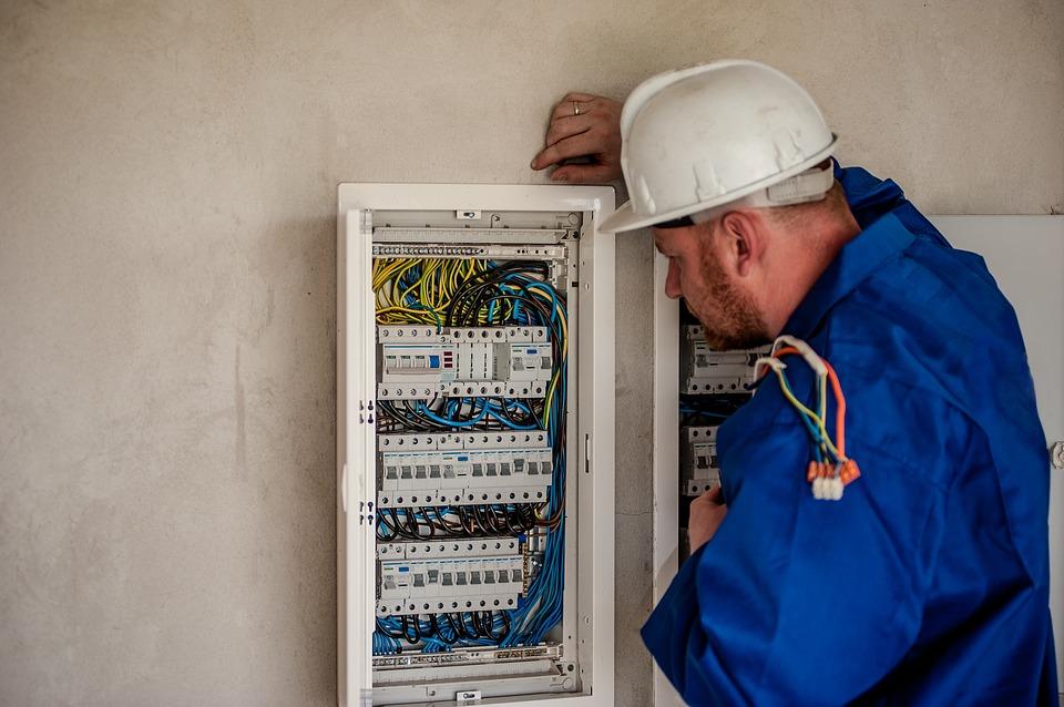 Образец-резюме электрика, для устройства на работу